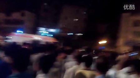 广西南宁城管打人引起暴动 上万人围堵城管