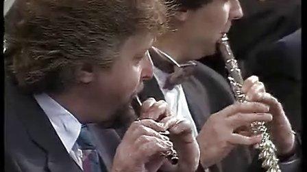 伯恩斯坦老实人序曲-柏林爱乐-拉特尔-1995年