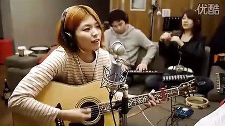 【Lee】韩国美女LeeSA吉他弹唱kesha的Tik Tok,很好听。。。