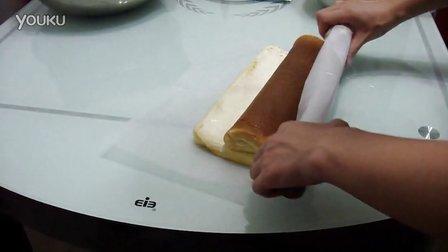 卷蛋糕卷手法