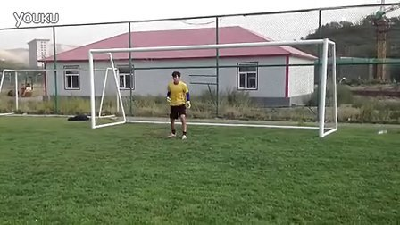新疆足球队门将——叶尔杰提