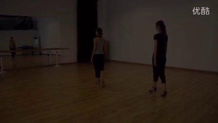 芮歌文化表演考前培训之舞蹈定制课程,艺考生们最值得关注和信赖的表演培训机构