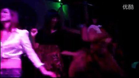 台湾夜店实录美女丝袜派对疯狂夜7