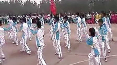 【拍客】实拍正阳一中学生太极拳表演