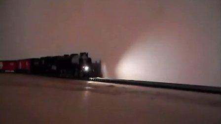 Digitrax SDH164D DCC音效芯片安装在蒸汽机车上2