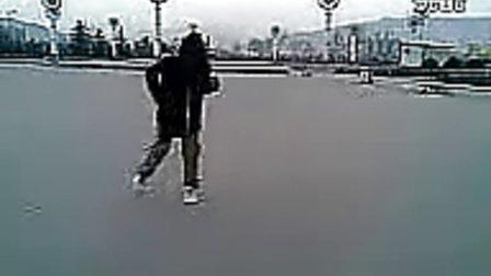 新手必看 鬼步舞教学视频_1
