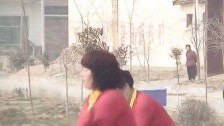 陕西省西安市临潼区油郭大队秧歌队广场舞视频集锦-与狼共舞