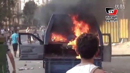 焚烧美国人汽车