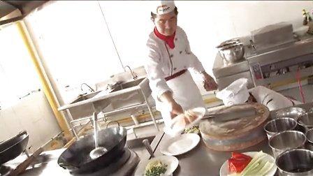 学厨师去安徽新东方厨师培训学校:菜肴制作及调味教学