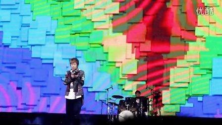 20121004 五月天 諾亞方舟 上海站 talking 《倔強》 彩虹