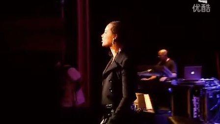 Alicia Keys - Streets Of New York  (Live in London 2007)