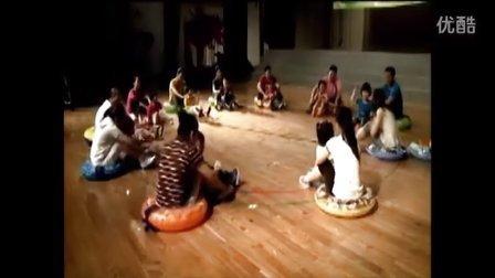 试看版  幼儿园优质课 小班亲子音乐游戏《碰碰车》6