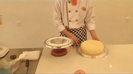 安徽新东方烹饪学校:欧式水果蛋糕