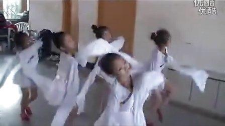 深圳福田保税区◆少儿形体瑜伽舞蹈兴趣班◆『青瑞学院少儿民族舞培训』