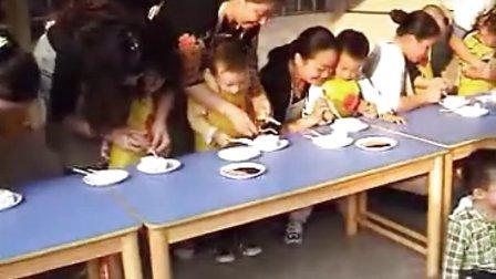 亲子活动:做蛋糕(南方医科大学附属幼儿园)