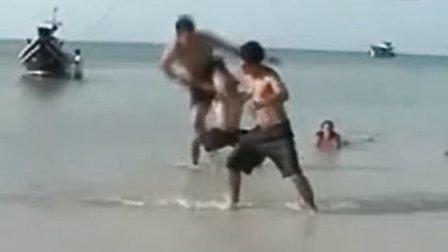 杰里米Corbell和他的量子柔术学生在泰国的海滩上表演
