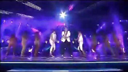 鸟叔PSY在澳大利亚的X factor 上表演江南style!