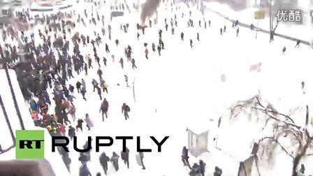 乌克兰警察拍摄暴徒殴打暴力升级
