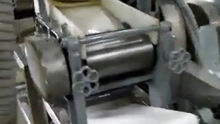 Hong kong style noode machine test   港式压切面条机(云吞面)1-2