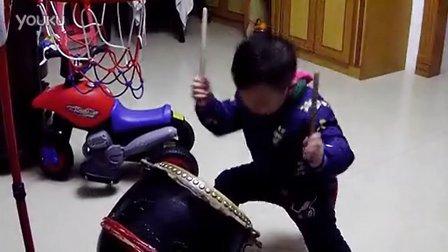 [顺德洪拳]三岁小孩献上传统南狮鼓点,15秒后爆发七星鼓!