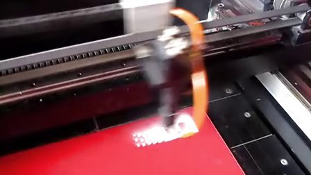 双色板雕刻切割视频,双色板雕刻机