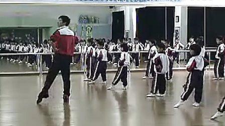 小学二年级音乐形体课《擦地绷脚组合》讲授类小学音乐微课示范课展示教学片段视频专辑