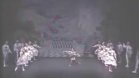舞剧《天鹅湖》第一幕开场