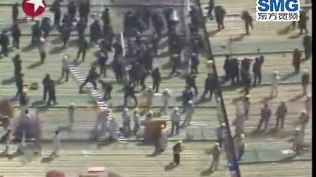韩国警察强攻 双龙汽车厂成战场