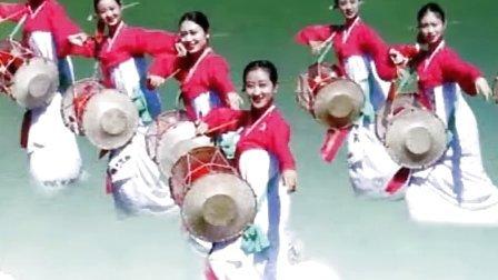朝鲜艺术家原声演绎《阿里郎》