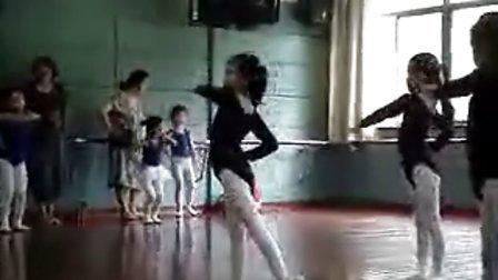 舞蹈小奶牛