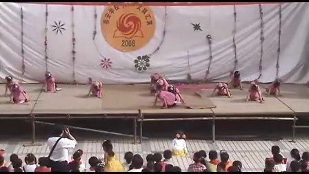 """高奕在2008泰安学校庆""""六一""""台下的舞蹈表演"""