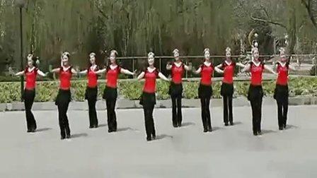 云裳馨悦广场舞火火的姑娘原创背面分解