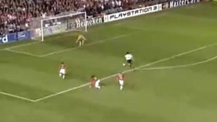 卡卡对曼联的进球,挑战整个后防