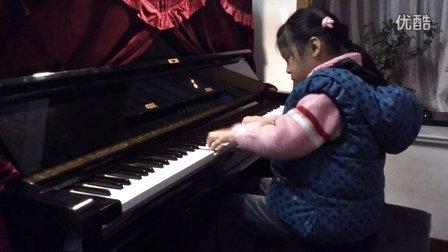 情情 弹钢琴 洋娃娃的梦