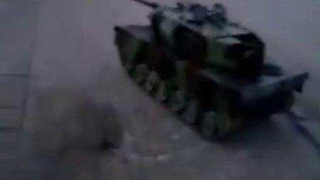 牛人自制山寨坦克