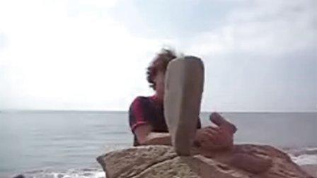 石头也能玩平衡艺术?真是奇了!