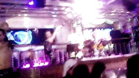《乌克兰自由者》,四川,Sky club   live show。