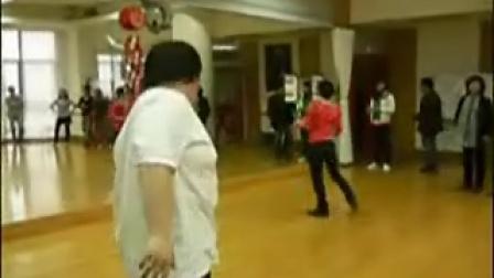 钻胯 网络小胖练舞