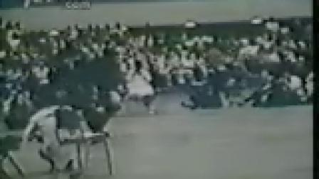据说是李小龙当年的全美空手道大赛
