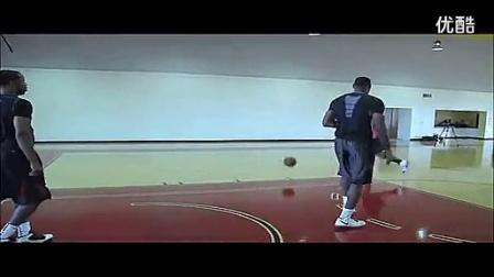 NBA詹姆斯接受奥拉朱旺训练