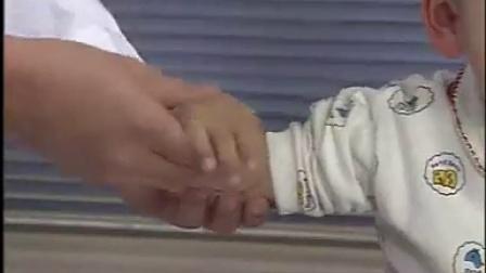小儿推拿系列(10)— 摇法_标清