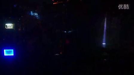 阿曼尼灯光1