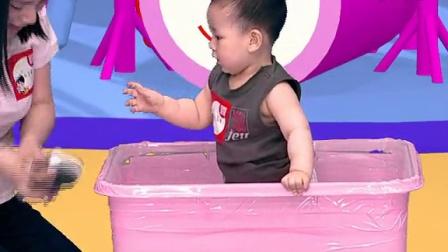适合月龄10个月以上  游戏 《运动小健将》