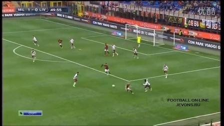 巴神2传1射 AC米兰3-0利沃诺