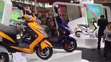 2012南京电动车展会-爱玛电动车新款_高清
