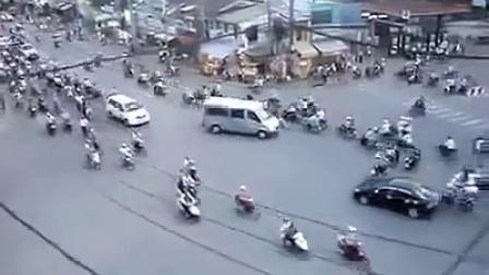 印度的交通就是怎么神奇,难道没有红绿灯吗?