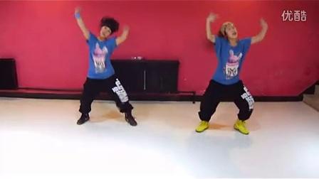 鬼步舞动作教学男士爵士舞教学视频少年街舞