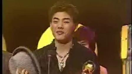 孔令奇2002年获金曲奖最佳新人视频