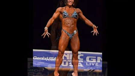 温州女苦练九年健身获得美国健美赛冠军