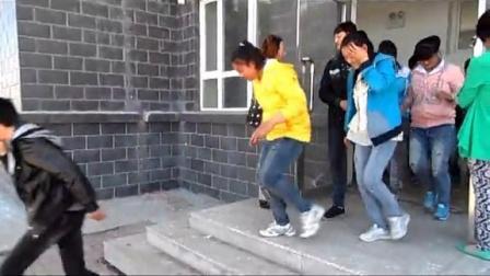 巴彦县康庄中学举行消防安全演练